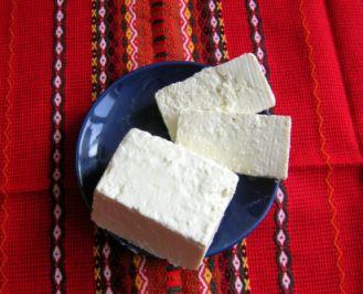 queso blanco salado, típico de bulgaria